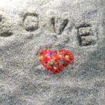 LOVEの文字とハート