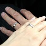 指輪と指毛